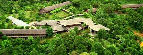 KUCBLTW_Hilton_Batang_Ai_Longhouse_Resort_exterior_396x294