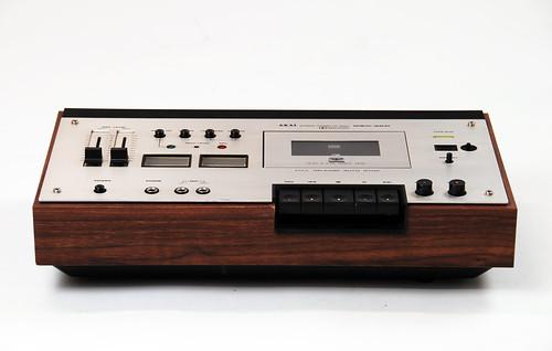 Akai GXC-39D kassettspiller front