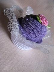 Cupcake Croche (Luciane P. Castro) Tags: cake handmade crochet cupcake croche docinho sache lembrancinha feitoamão alfineteiro agulheiro