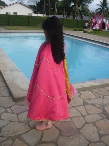 Capa Barbie Mosqueteira (Corinne)