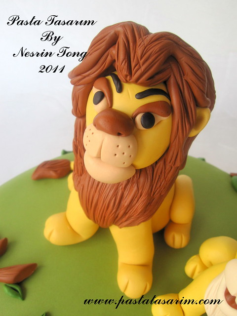 LION KING AND SIMBA CAKE