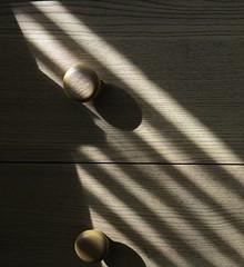 3047 Shadow play (Andy - Busyyyyyyyyy) Tags: ddd drawer handle hhh kkk knob shadows sss grain ggg