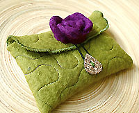 moss green wool felt card pouch...green smoothie!