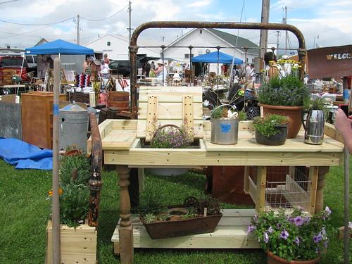Bedframe Gardening table