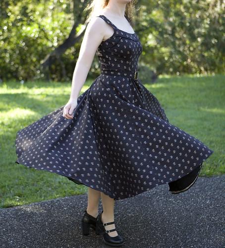 Vogue Vintage Dress - Twirl Front