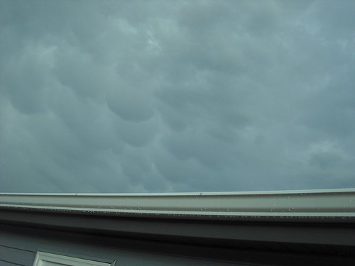 Mammatus on the way out.