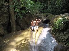 Mat et Nico Erawan waterfalls