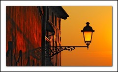 Magic moment (Ale f8) Tags: sunset italy lamp colors canon europa europe italia tramonto toni tones colori bassano lampada grappa bassanodelgrappa g10 flickraward flickraward5 flickrawardgallery