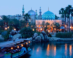 Arabian Coast at Dusk (Peter E. Lee) Tags: sunset japan harbor boat dusk minaret spire jp chiba dome goldenhour tokyodisneysea 2010 tdr tokyodisneyresort tokyodisneylandresort arabiancoast disneyphotochallenge transitsteamerline tdlr