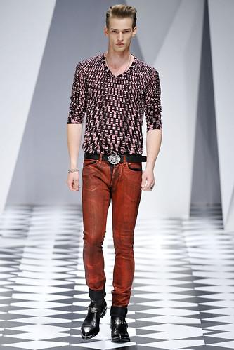 SS11_Milan_Versace0013_Philipp Bierbaum(VOGUEcom)