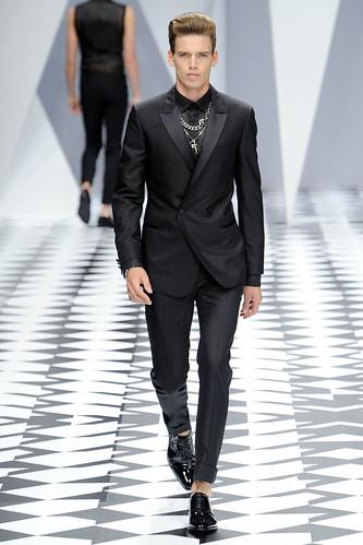 SS11_Milan_Versace0040_Mark Cox(VOGUEcom)