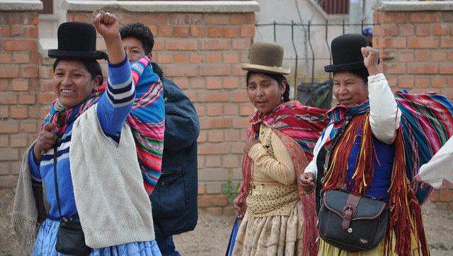 Bolivian Aymara Cholitas - History of the Bowler Hat in Bolivia - Atlas Obscura