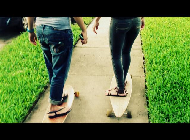 boyfriend jeans vs jeggings