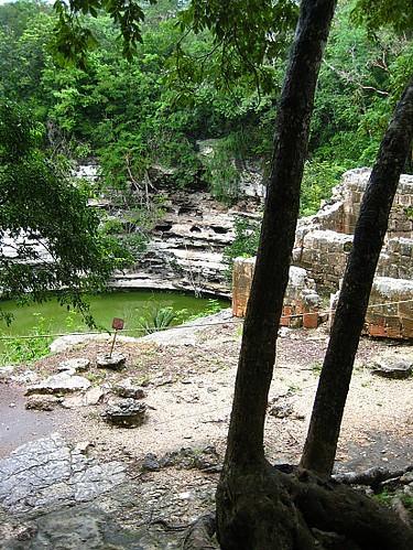 3_1224846000_1_chichen-itza-cenote5
