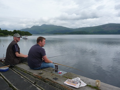 Fshing Loch Lomond