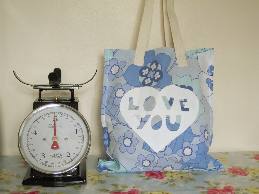 'Love you' bag