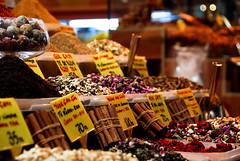 Chá .Tea (selenis) Tags: turkey nikon tea cinnamon turkiye istanbul bazaar istambul turquia bazar canela 2010 chá 18200vr d80 bazaregipcio egiptianbazaar