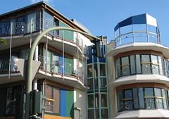 Gatower Str. / Graetschelsteig (ahmBerlin) Tags: berlin balkon architektur grn blau dach ampel bunt gwb spandau guessedberlin gwbcougar150921 gatowerstr graetschelsteig
