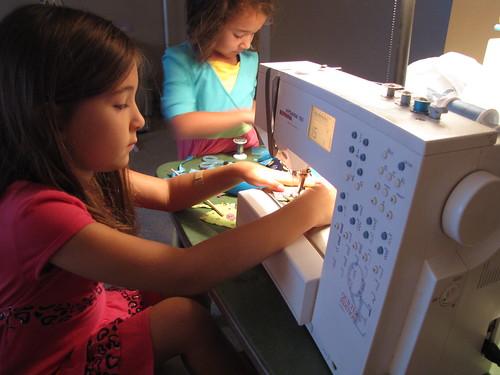 Sewing Sisters-2