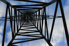 elektrizitt (la_terri) Tags: flickr himmel wolken mast blau turm kabel stahl schramberg elektrizitt elektro