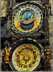 RELOJ ASTRONOMICO DE PRAGA (nanettesol) Tags: tower clock torre praga reloj ayuntamiento astronomico superlativas thegoldenphoenix