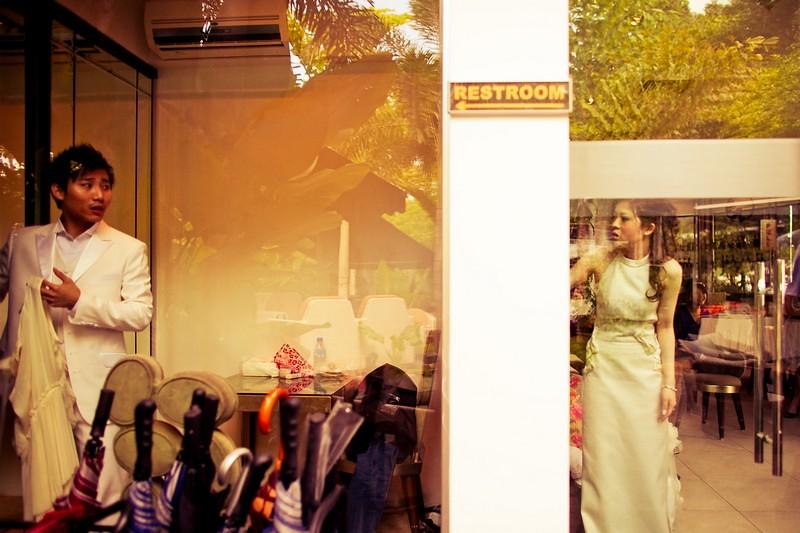 Raymond Phang Photography - wedding couple getting ready