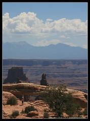 Canyonlands National Park - Photographing Mesa Arch (discopalace) Tags: travel usa nature rock utah nationalpark arch earth canyon canyonlands mesa mesaarch
