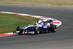 Rubens Barrichello Williams FW32 Cosworth (Stu.G) Tags: uk england car corner canon t eos one is williams unitedkingdom united northamptonshire bridgestone july 9 kingdom f1 racing silverstone formulaone single formula 24 motor usm 70300mm formula1 rubens ef motorracing fia v8 motorsport barrichello 2010 autosport cosworth carracing rubensbarrichello seater f456 luffield silverstonecircuit at canonef70300mmf456isusm singleseater 400d williamscosworth canoneos400d july2010 luffieldcorner fiaf1 ca2010 fw32 silverstonearenacircuit 9thjuly2010 fiaformulaone cosworthca2010v824 attwilliamsfw32cosworth williamsfw32cosworth