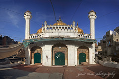 Golden Mosque Panorama (Max Loxton) Tags: old pakistan panorama ancient images east getty middle ppg lahore goldenmosque yasirnisar towardspakistan maxloxton sunehrimasjid theotherpakistan thevibrantcolorsofpakistan goldenmasjid