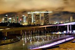 MBS as seen from Marina Barrage #1. (Reggie Wan) Tags: tourism fountain architecture night ir singapore asia southeastasia casino reservoir mbs marinabay integratedresort asiancity marinabarrage marinabaysands citynightlight sonya700 sonyalpha700 reggiewan