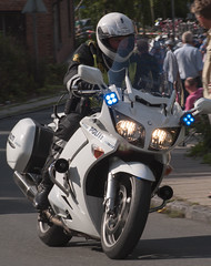 Politi Yamaha FJR-1300 (Danish Emergency Vehicles.) Tags: b car denmark fotograf police first olympus e 400 danish bil yamaha law motor enforcement ba emergency danmark bu patrol vejle fjr fjr1300 services babu dansk vogn stw 1300 evolt politi danemark p4 policie motorcykelbetjent politibil responder rmp panser p37 e400 ordensmagt a streifenwagen polzei politiet amatr kretj tjenestebil patrulje strmer beredskab amatrfotograf ordensmagten kreds danishe patruljevogn sydstjyllands udrykningskretj patruljebil politivogn politipatrulje politikreds politimotorcykel