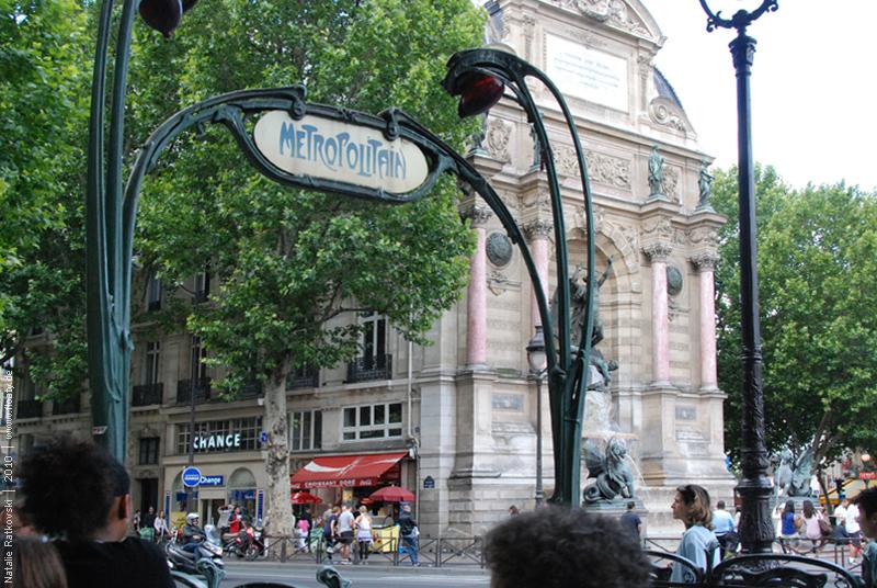 Metro at Place Saint-Miche