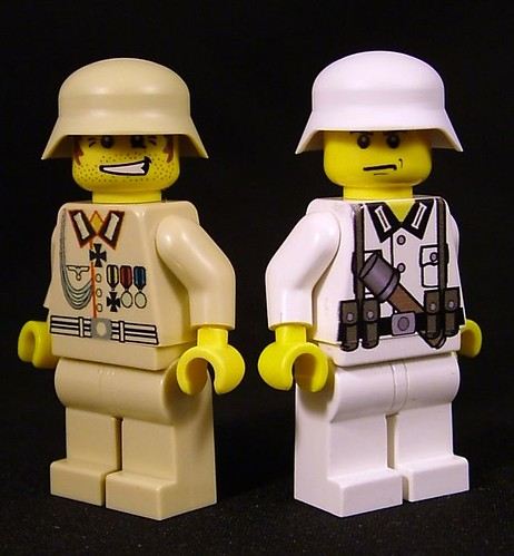 BrickArms Stahlhelm in Tan and White