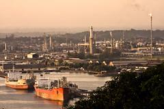 Balikpapan Oil Refinery 2 (markidit) Tags: refinery kalimantan balikpapan minyak kilang kilangminyak