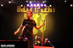 Billy Talent @ Festival Under18, Sant Jordi Club, Barcelona 2010 (Hara Amors) Tags: barcelona show music rock club photo concert nikon punk foto ben photos live concierto group under livemusic band talent fotos musica singer 1750 grupo billy benjamin musik 18 jordi tamron sant vocals f28 hara 2010 billytalent eighteen cantante directo d300 musika u18 benkowalewicz under18 livephotography livemusicphotography tamron1750 tamronspaf1750mmf28xrdiiildasphericalif kowalewicz benjaminkowalewicz amoros nikond300 undereighteen santjordiclub haraamors haraamoros tamronspaf175028xrdiii lastfm:event=1313349 festivalunder18