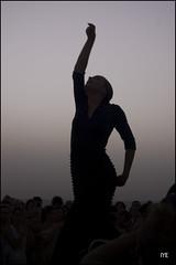 Silueta flamenca (Ivn Cano y Elena Conde) Tags: sunset geotagged spain andalucia cadiz puestadesol castillo baile flamenco santacatalina nikond40