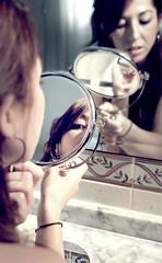 Mirror (Irene Miranda) Tags: laura girl bathroom mirror hands chica makeup manos espejo irene lipstick miranda lavabo reflejos maquillaje pintalabios