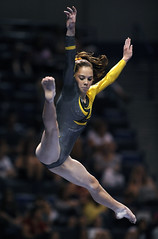 0815_S_visagymnastics_McKayla Maroney_8581 (newspaper_guy Mike Orazzi) Tags: nikon ct gymnast gymnastics hartford d3 conn mckayla maroney visachampionships xlcenter mckaylamaroney