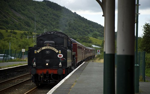 The Cambrian Arrives At Porthmadog