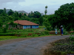 Monsoon Trip to Varandha Ghat..8.. The  morning village scene (ravi_gogte) Tags: morning india village olympus scene typical pune bhor e520