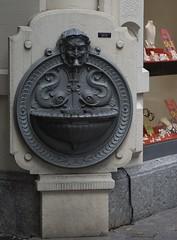 Neptunbrunnen (steffenz) Tags: germany deutschland lenstagged pentax 85mm badenbaden walimex 2010 badenwürttemberg 85mmf14 samyang k100d steffenzahn rawtherapee justpentax iamflickr walimex85mm walimexpro8514if walimexpro85mm114asphericalif