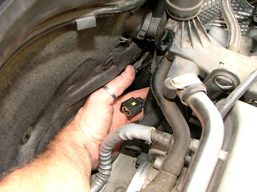 w crankshaft position sensor cps diy replacement instructions you ll now need to remove the reverse torx head bolt that holds the cps in place this is a standard machine th bolt and isn t hard to remove