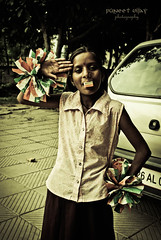 Hope in Heart and Joy in Eyes - I see a happy India tomorrow! (~ TheAutumnSong ~) Tags: street india children delhi independence patriotism slum