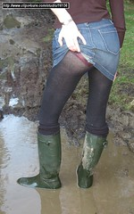 kb-green-htr-mud-09 (KinkyBoots1) Tags: boots wellies galoshes rubberboots wellingtons rainboots muddyboots