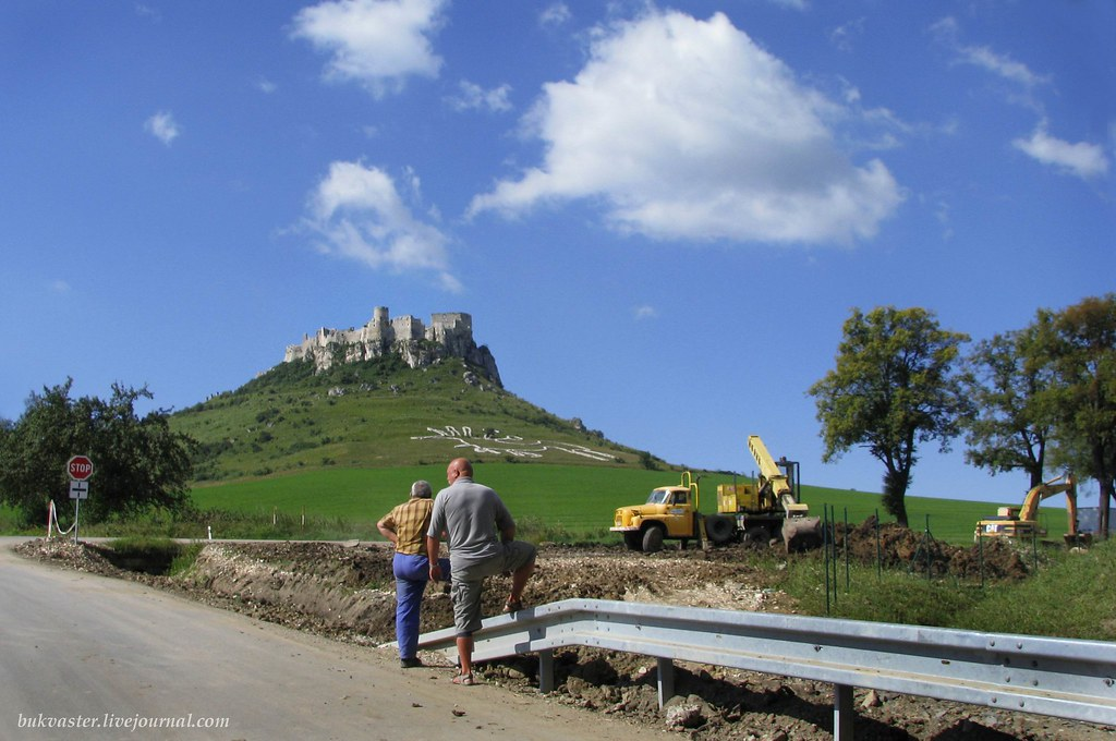 Spissky hrad 2010, highway is being built