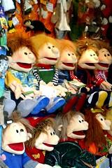 Handpuppen (anirbas_84) Tags: toys sophie schaufenster erik bremen fabian spielzeug pelle bunt plschtiere handpuppen lutzi livingpuppets drachenschwrmer