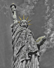 Liberty has Restraints but no Frontiers (klem@s) Tags: newyork paris france statue liberty libertad freedom tokyo ile des libert cygnes klemas