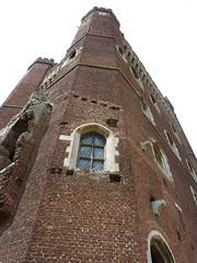 Tattershall Castle 15/08/10 (spectrefloat) Tags: 17thcentury lincolnshire civilwar cavalier nationaltrust reenactment roundhead tattershallcastle medievalcastle traynedbandes