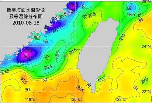 台灣周邊海域海面水面衛星影像及等溫線分佈圖,墾丁、蘭嶼、小琉球與東沙附近,皆有超過30C水團盤據(資料來源:水試所資訊系衛星影像資料分析室)