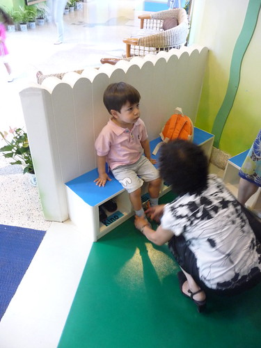 Scott's first day at Soong Ching Ling kindergarten in Shanghai